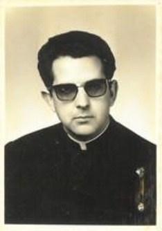 Pe. Adelio